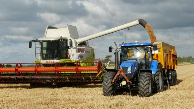 traktor mähdrescher ernte